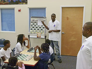 Kevin-Dorival_chess_collier_library